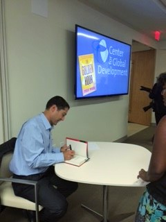 Todd signing (3)