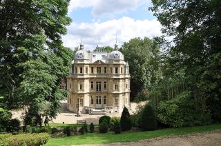 1024px-Le_Port-Marly_Château_de_Monte-Cristo_001