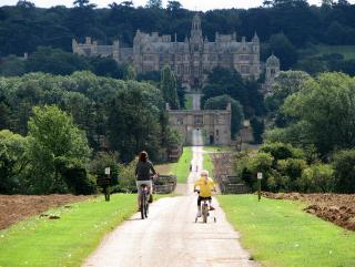 Harlaxton_Manor_-_geograph.org.uk_-_1466745